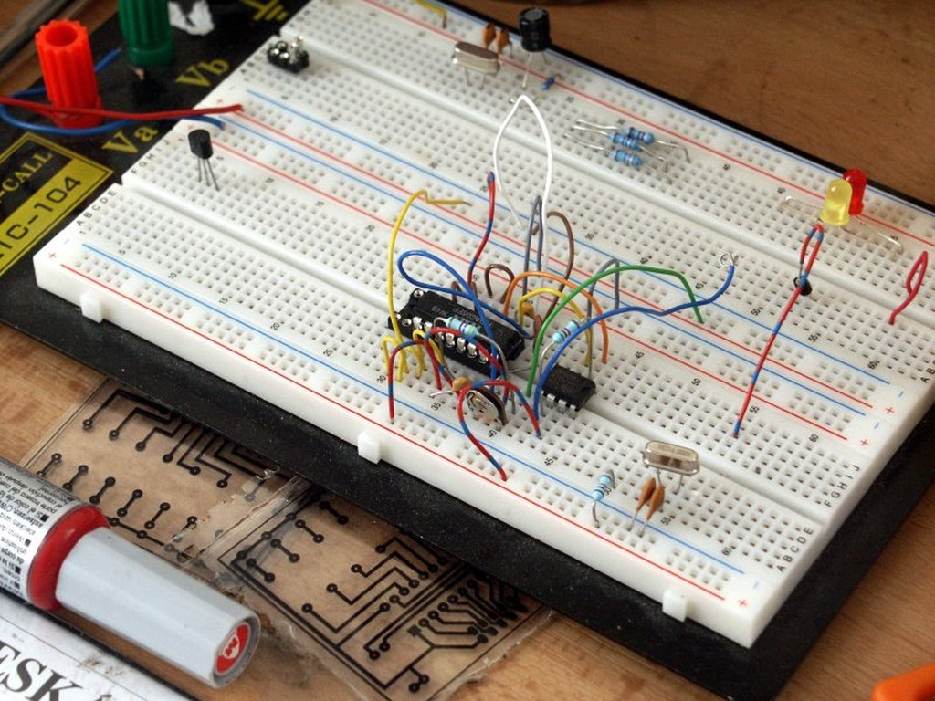 An Introduction To Basic Electronics Too Complicated For A Breadboard Build Electronic Circuits Tweet3