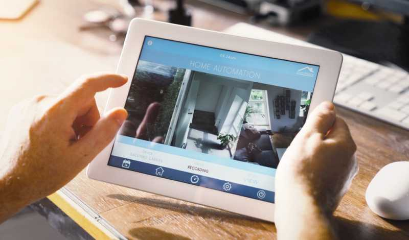 tablet-being-used-for-smart-home-automation